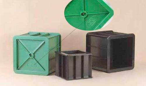 Khuôn đúc bê tông hình lập phương 150x150x150 mm bằng nhựa